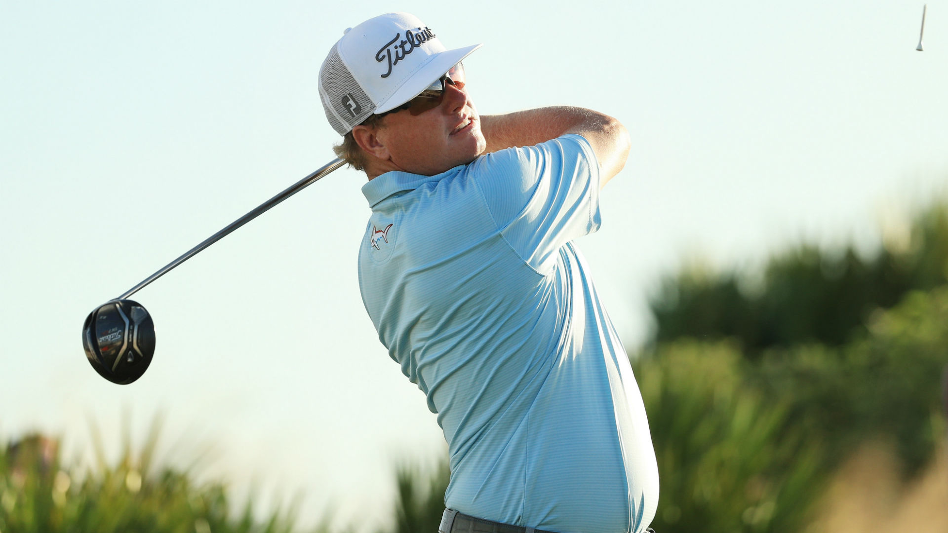 Hero World Challenge: Charley Hoffman extends lead; Tiger Woods rebounds from poor start