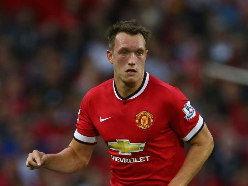 Manchester United lose Phil Jones for at least three weeks