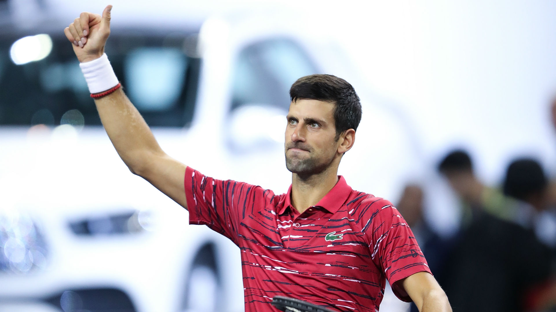 Dominant Djokovic dispatches Isner as Shanghai title defence rolls on