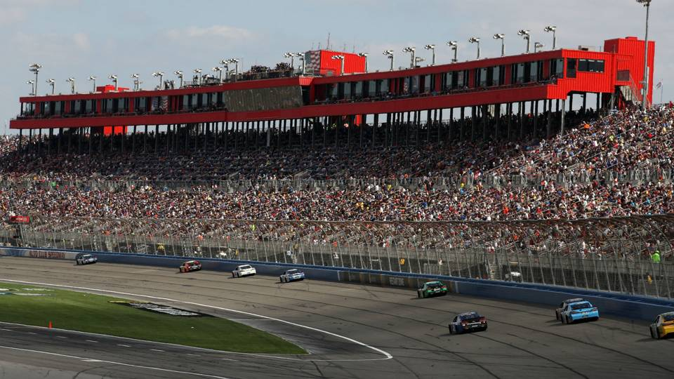 NASCAR at Fontana: TV schedule, standings, qualifying drivers for Auto Club 400