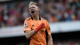 Aaron Ramsdale celebrates on his Arsenal debut