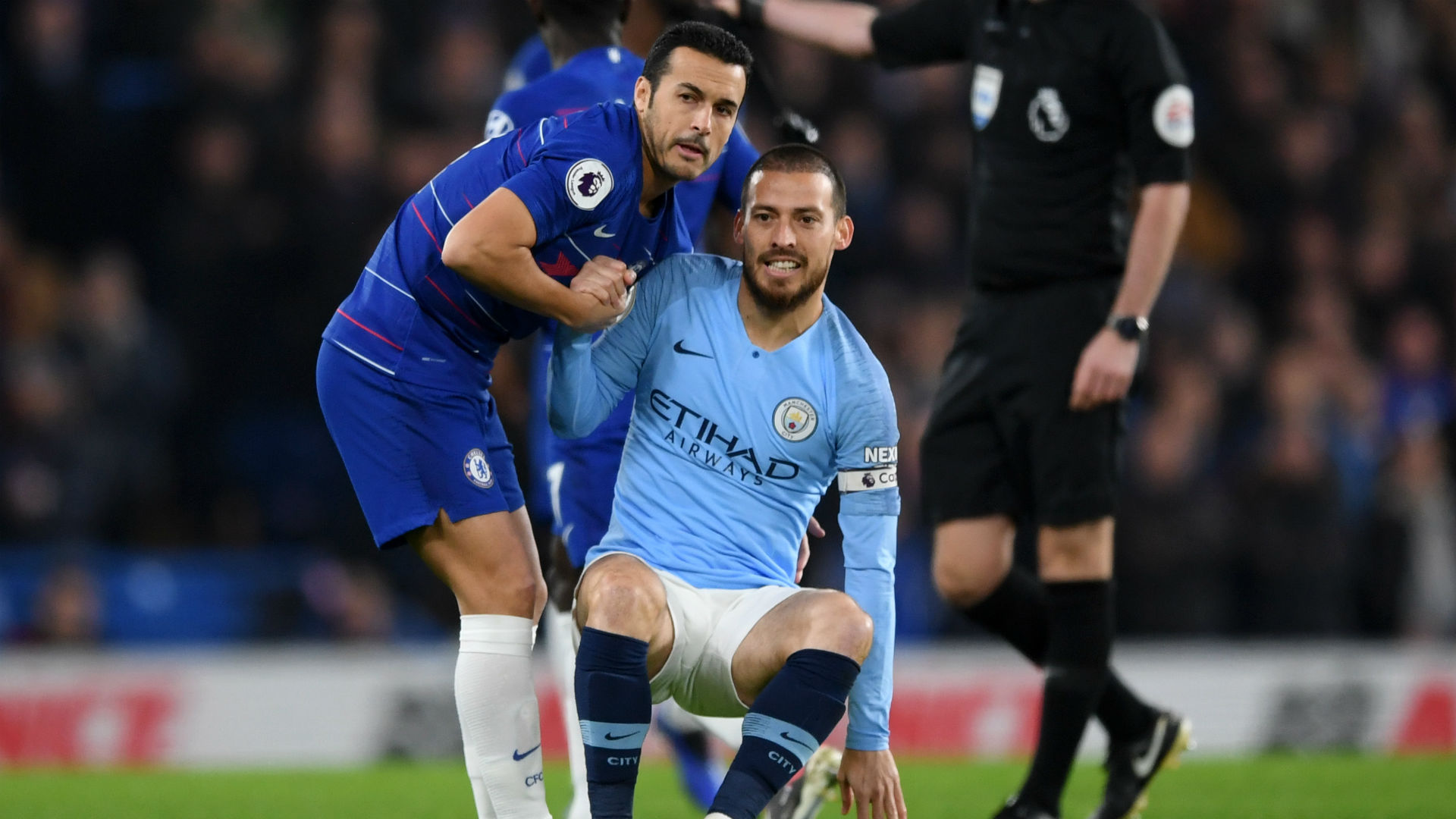 Injured Man City midfielder Silva out for 'a few weeks'