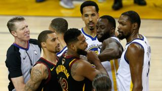 Tristan Thompson (left) and Draymond Green face off