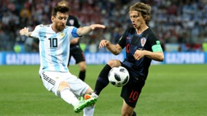 lionel messi luka modric - cropped