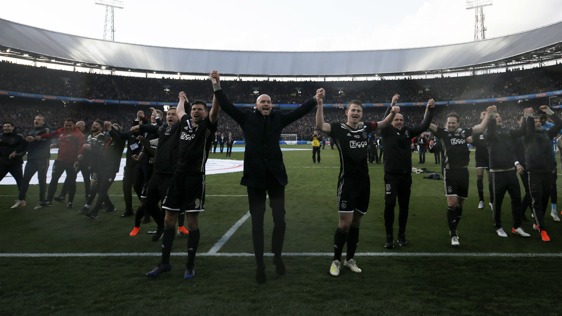 Ex-Ajax coach Van Gaal: Forget Spurs and win Cup final