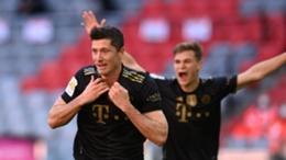 Robert Lewandowski celebrates his milestone moment