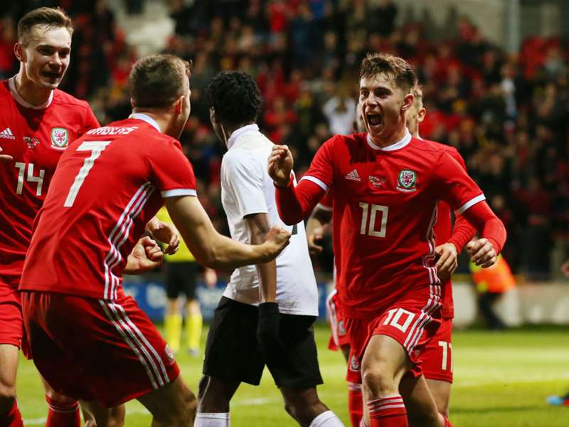 Wales 1 Trinidad and Tobago 0: Woodburn late show boosts Giggs