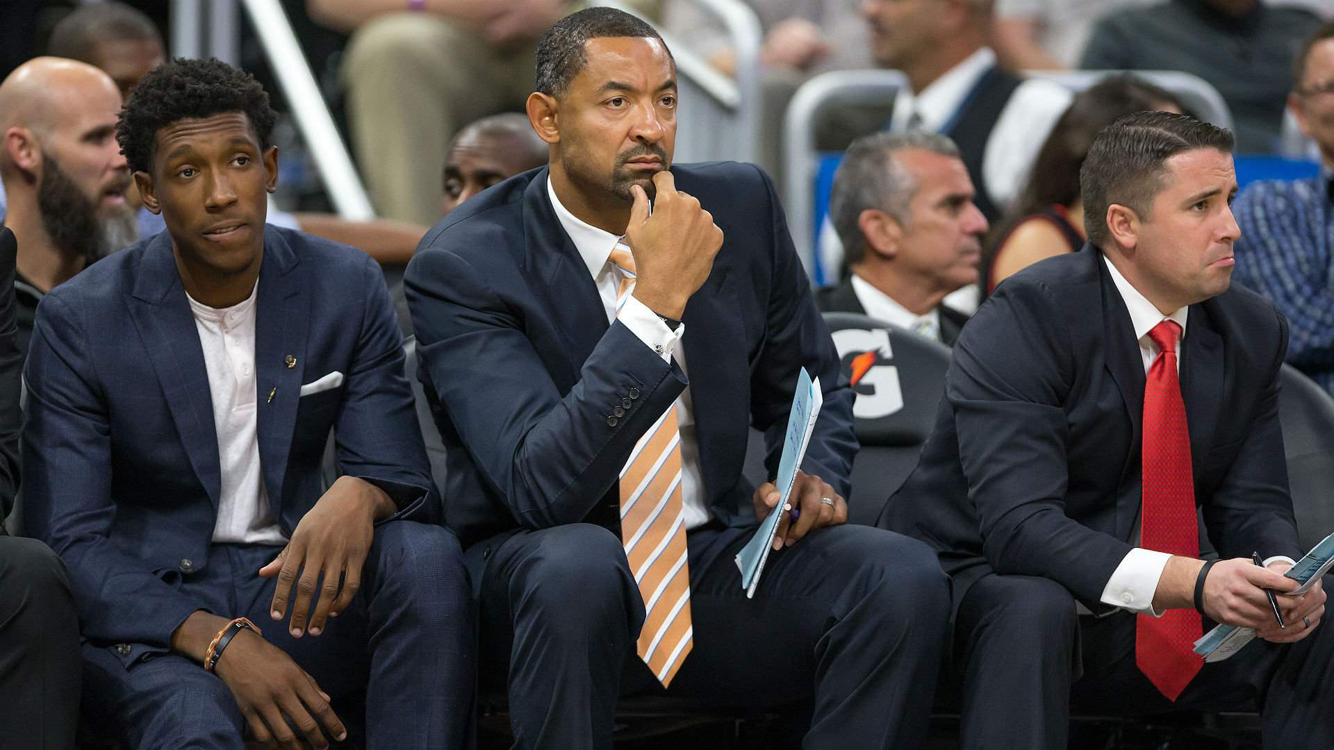 Michigan offers head coach job to 'Fab Five' alum Juwan Howard, report says