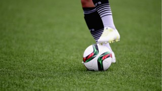 German player trains on artificial turf in Canada
