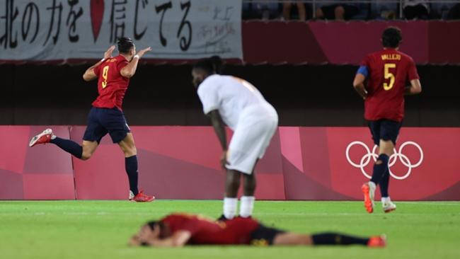 Rafa Mir scored a hat-trick against Ivory Coast