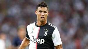 Sarri tells Juventus players to adapt to 'difference-maker' Ronaldo