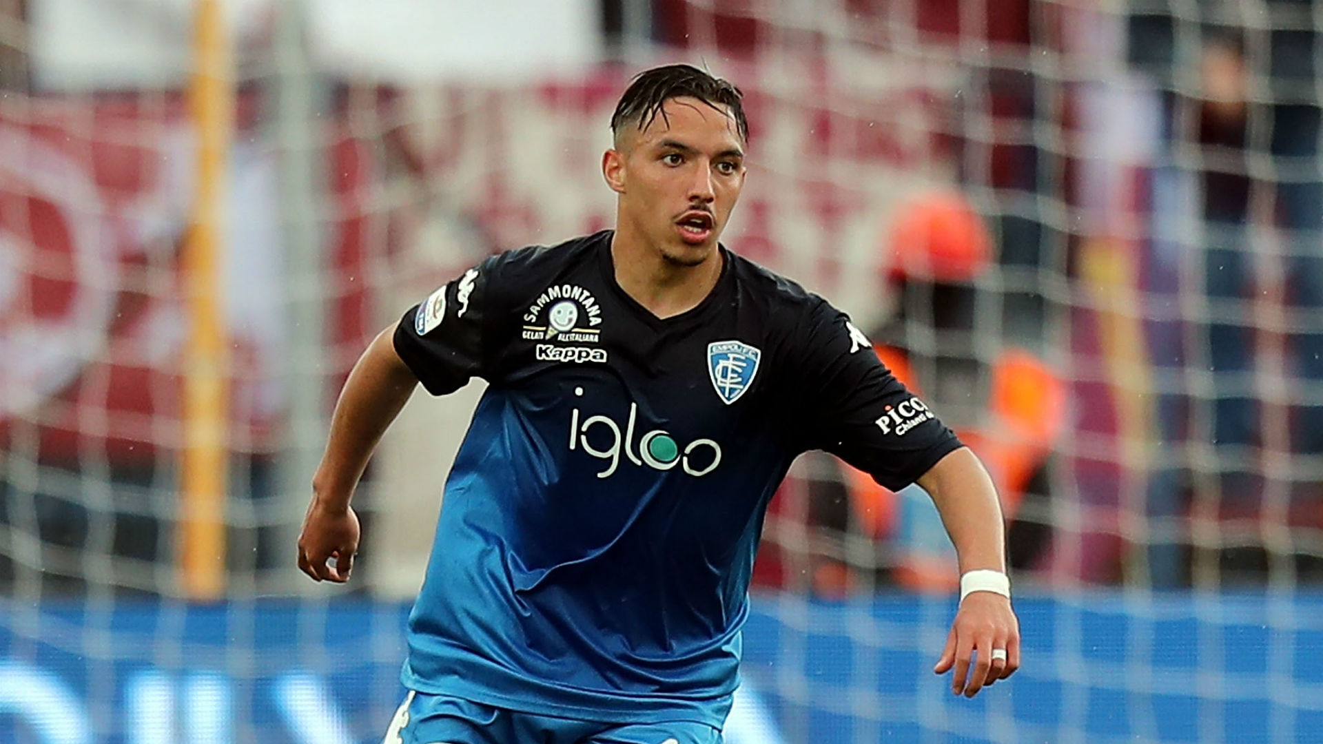 AC Milan snap up Algerian Africa Cup star