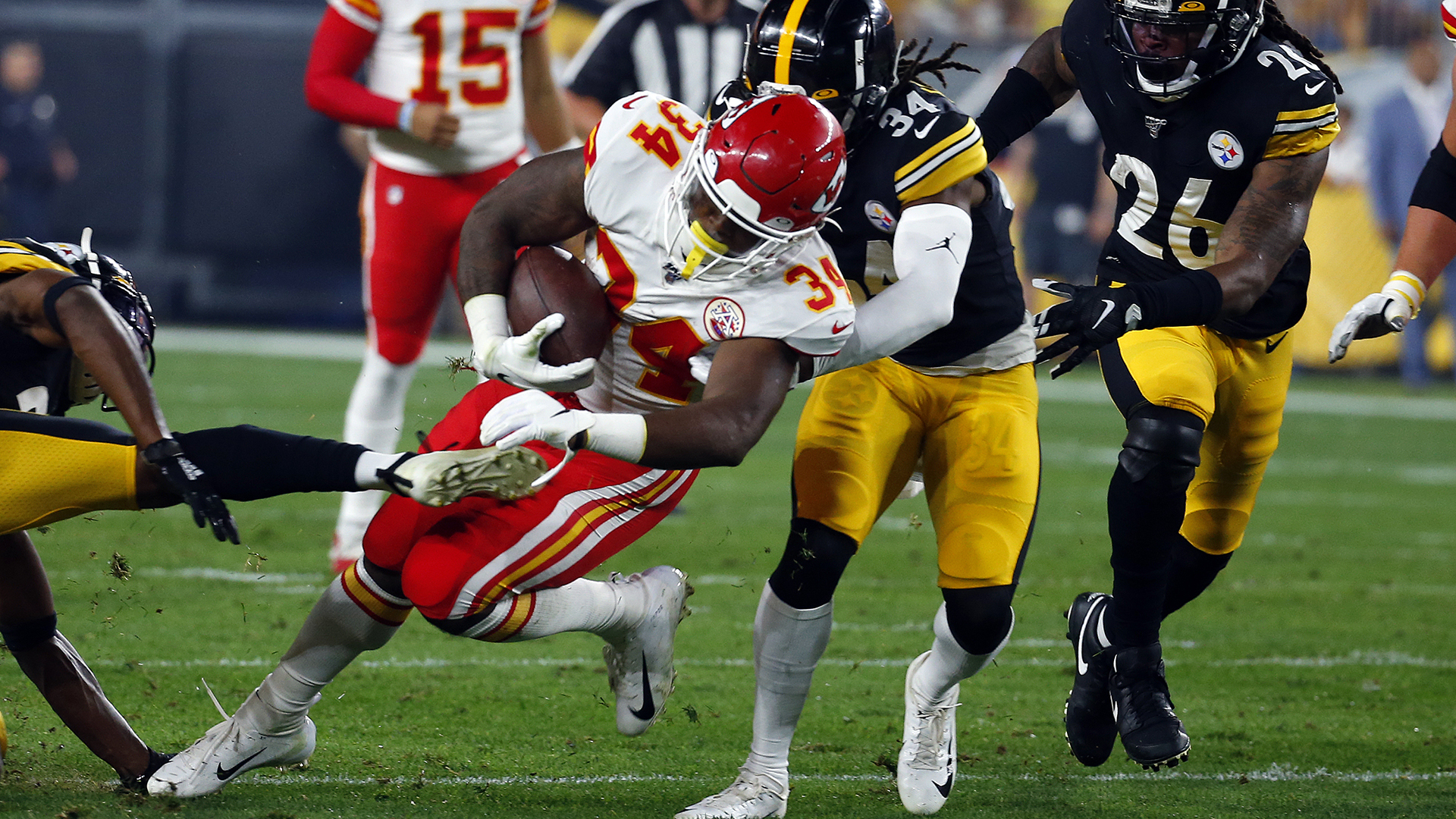 NFL trade news: Texans acquire Carlos Hyde from Chiefs in wake of Lamar Miller injury
