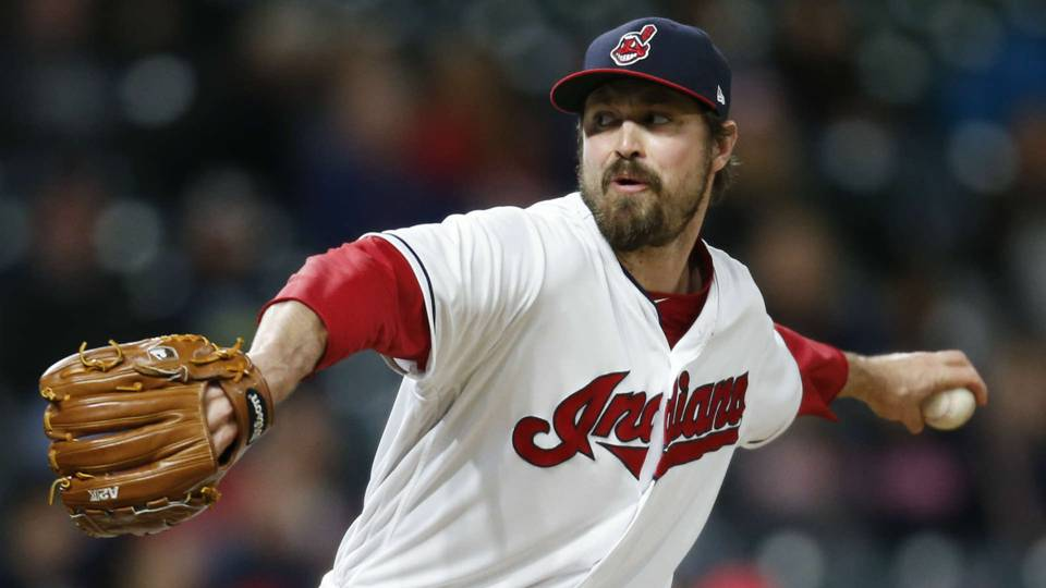 Indians' Andrew Miller doesn't want 'huge battle' over pitch clock