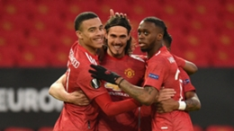 Edinson Cavani celebrates his 50th European goal