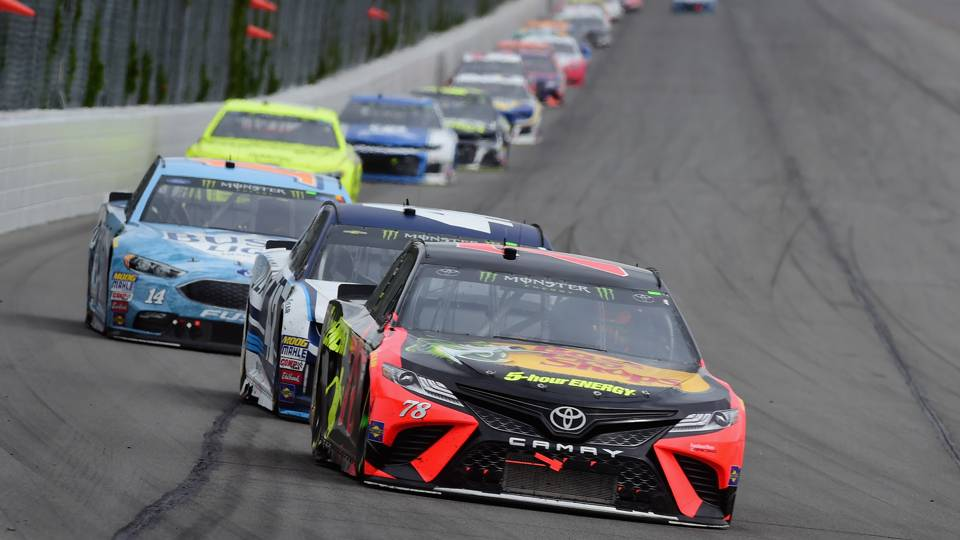 NASCAR results at Pocono: Martin Truex Jr. holds off Kyle Larson for victory