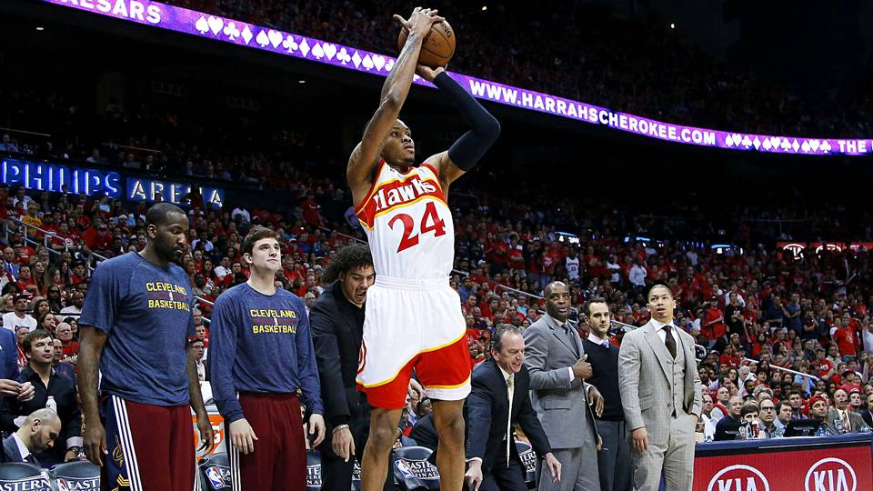 Hawks' Kent Bazemore to miss rest of season with knee injury