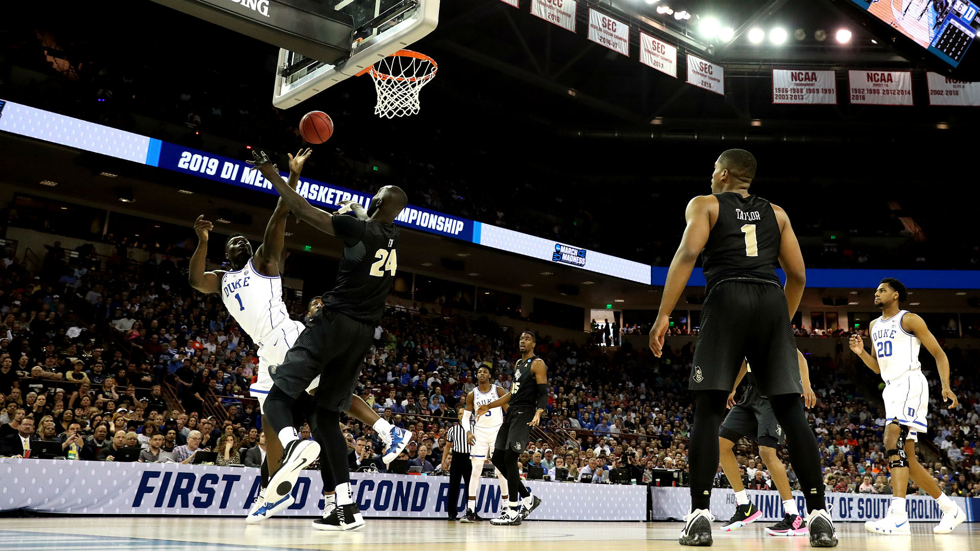 March Madness 2019 Zion Williamson Throws Down Multiple: March Madness: Zion Williamson Discusses Win Over UCF