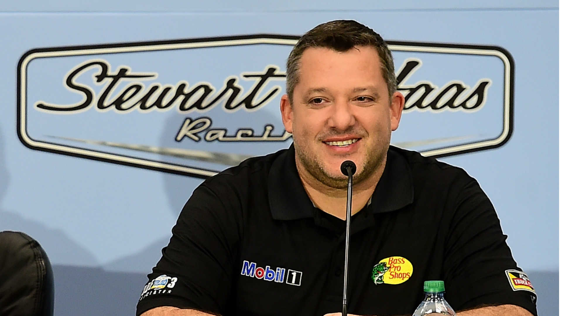 Woman charged with bizarrely stalking Tony Stewart, family over autograph snub