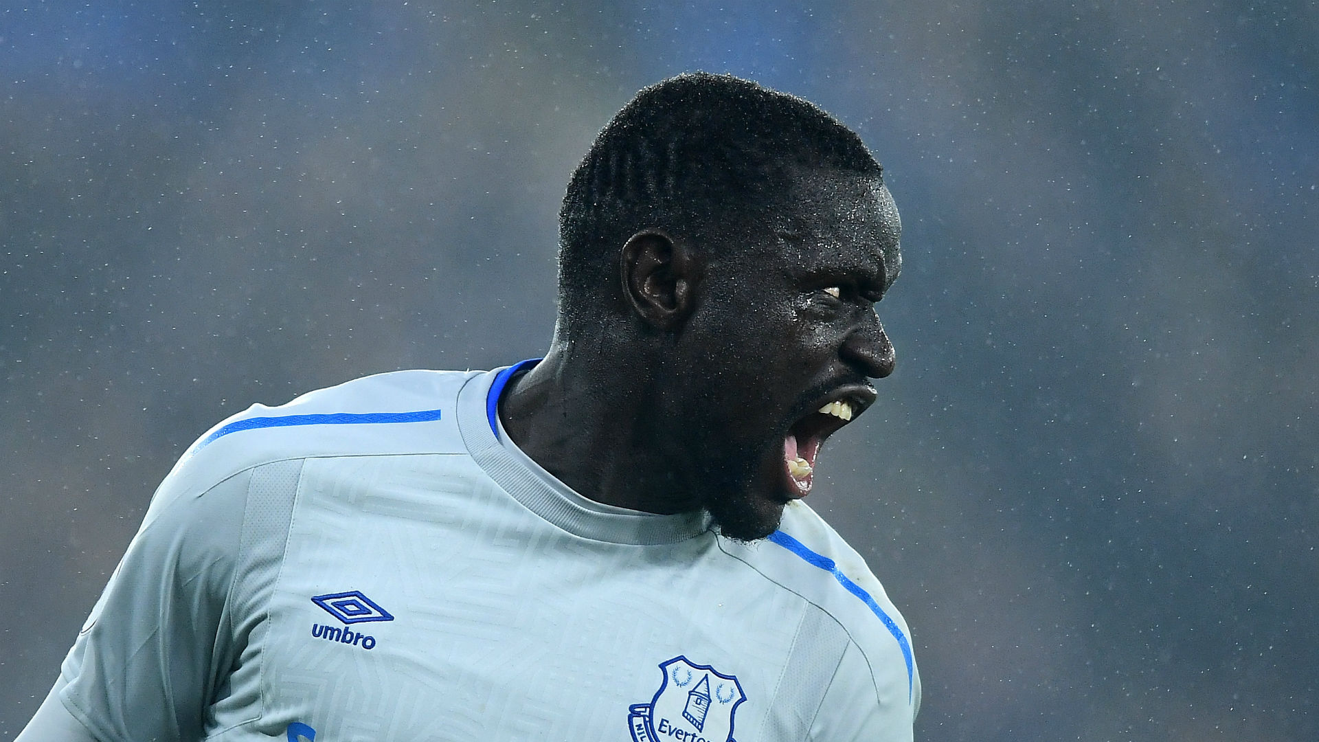 Everton striker Niasse to fight dive charge
