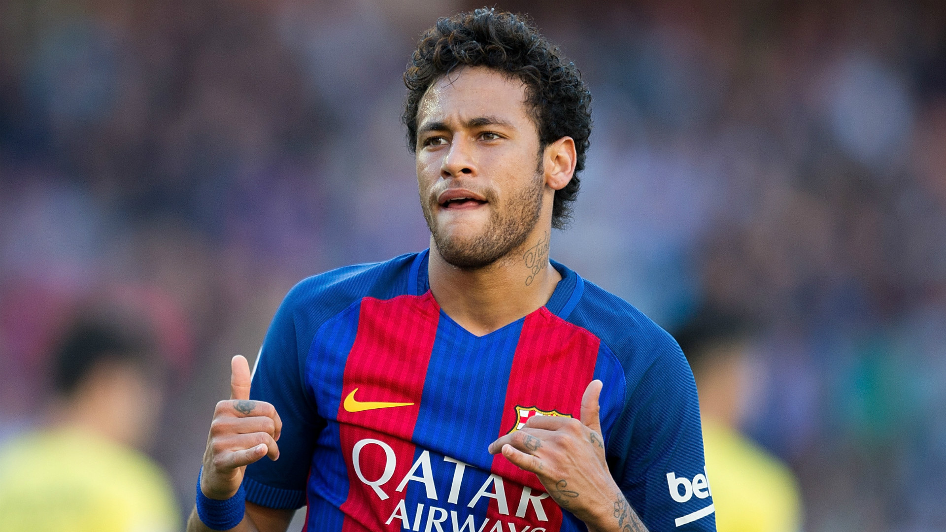 Neymar talks up Paulinho to Barcelona