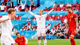 Kasper Dolberg celebrates in Amsterdam