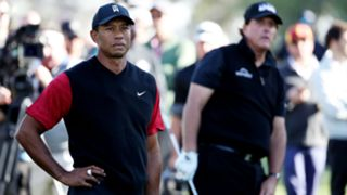 Tiger Woods Phil Mickelson - cropped