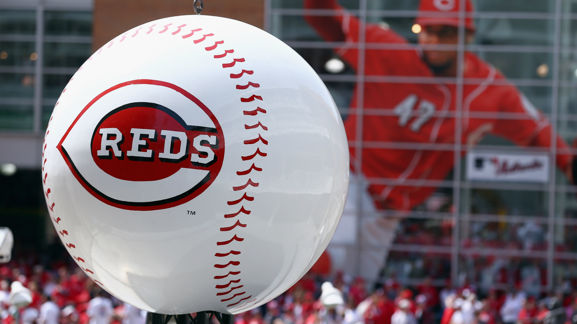 Cincinnati Reds announce one player killed, two injured in auto  crash