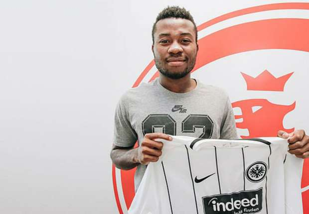 Nelson Mandela signs professional Eintracht Frankfurt contract