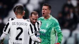 Juventus celebrate their 1-0 win over Roma