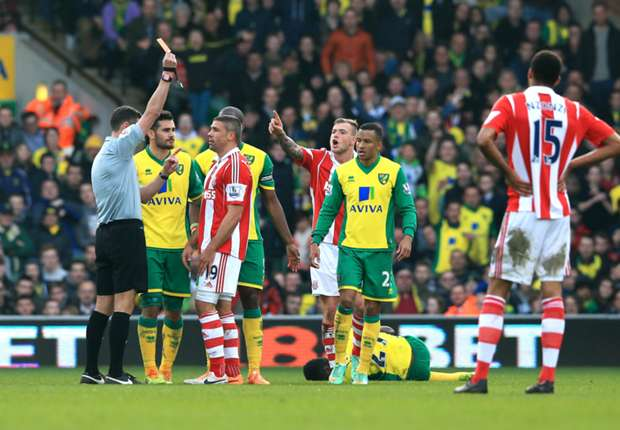 Norwich City 1-1 Stoke City: Walters penalty denies Canaries win