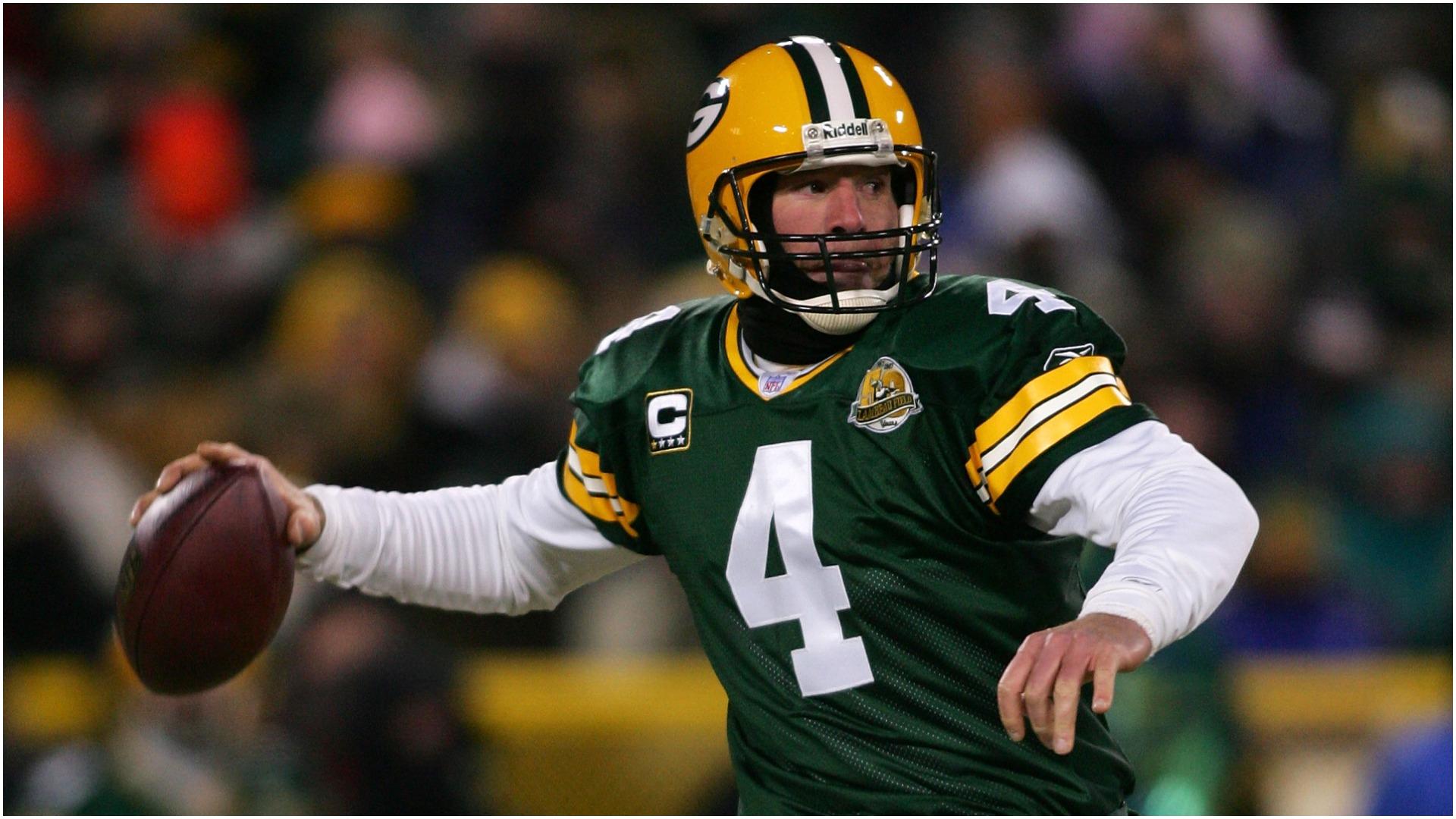 Brett Favre says he's leaving retirement, returning to NFL; social media smells something fishy