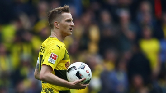 Reus makes first Dortmund appearance of the season