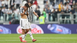 An emotional Paulo Dybala leaves the field during Juventus' clash with Sampdoria