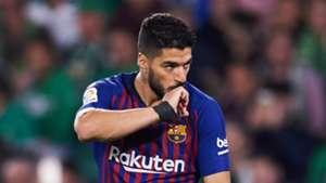 Suarez sprains ankle as Barcelona beat Betis