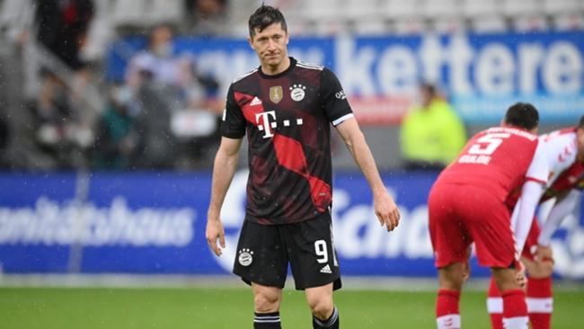Robert Lewandowski scored his 40th goal of the Bundesliga season - but will he add to his tally?