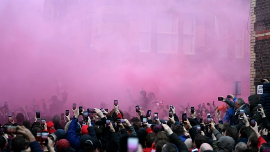 liverpool fans - cropped