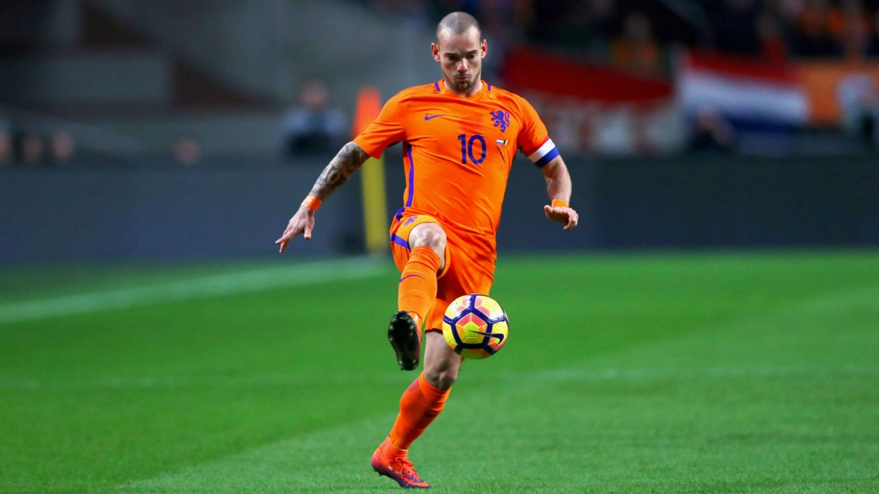 W Sneijder News & Profile Page 1 of 1
