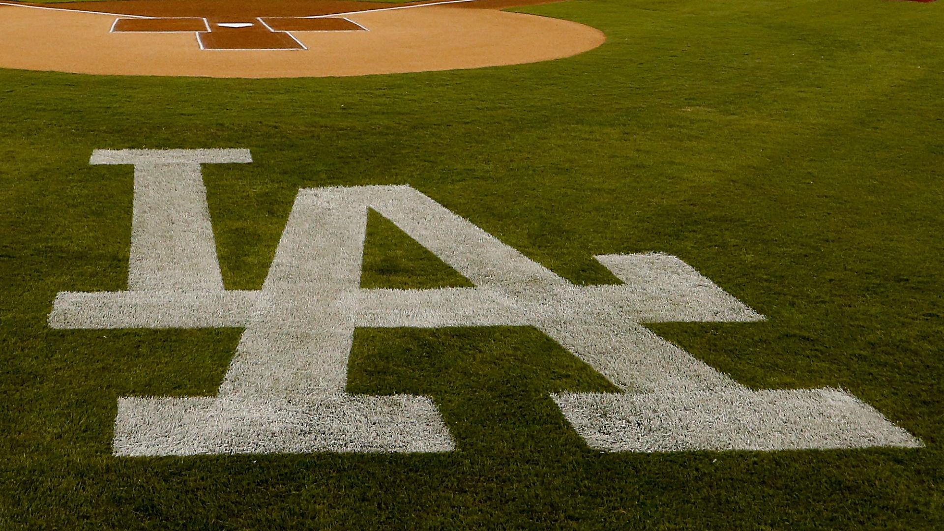 Dodgers-logo_1evvvzmlds27l19egta5l5bg9z