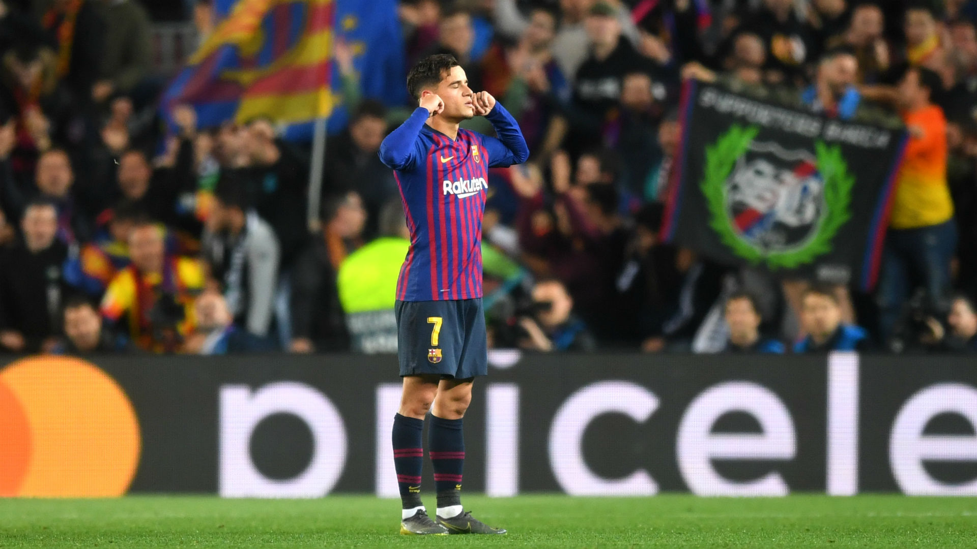 Barcelona beat Alaves 2-0 to close on La Liga title
