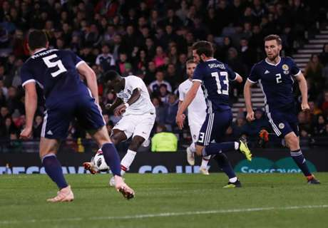 McLeish: Scotland shoot themselves in the foot
