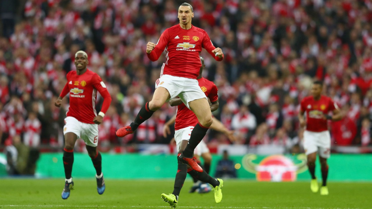 Mourinho hints Ibrahimovic could make Man United return