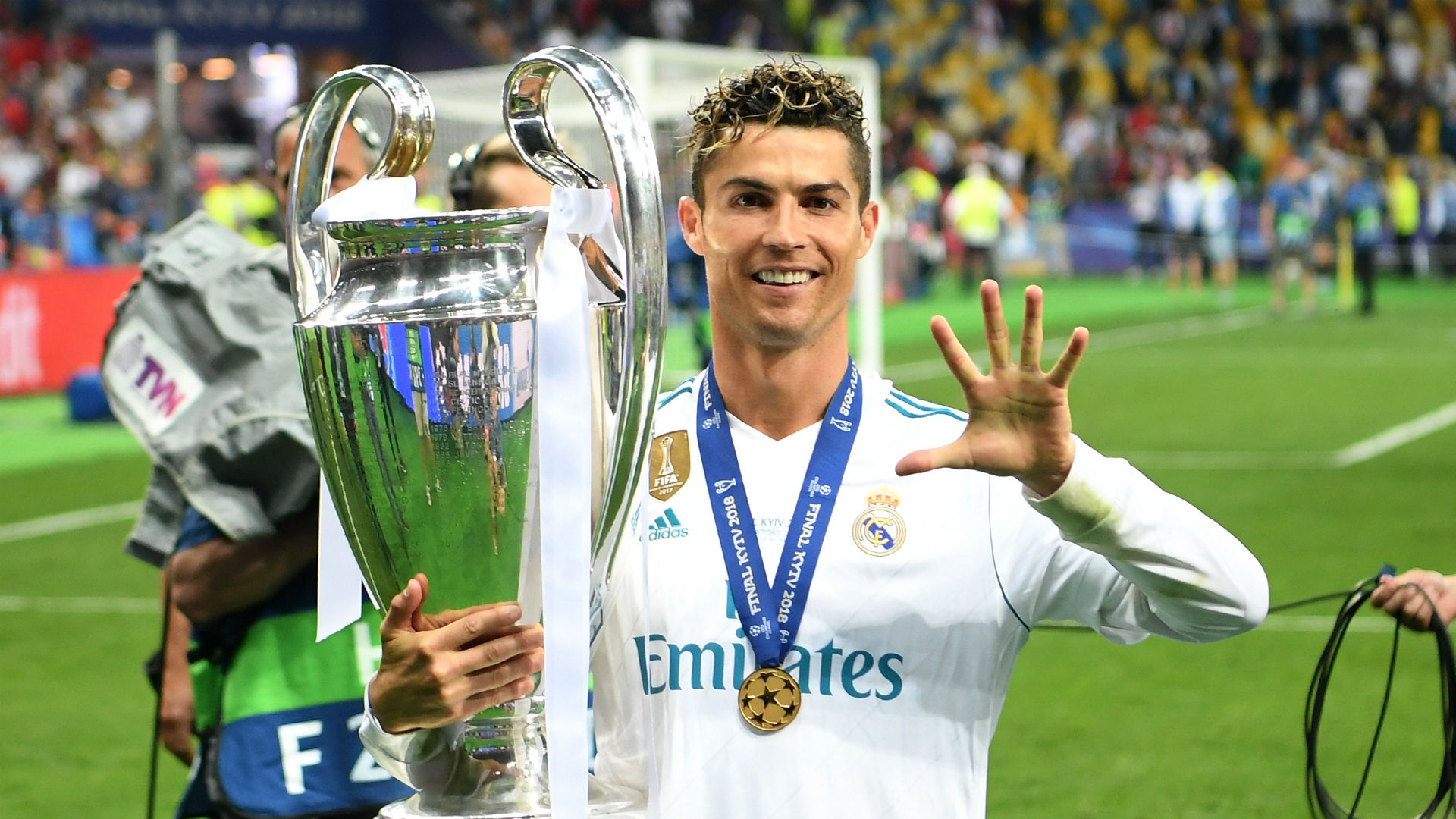 Real Madrid superstar Cristiano Ronaldo enjoys holiday amid Juventus links