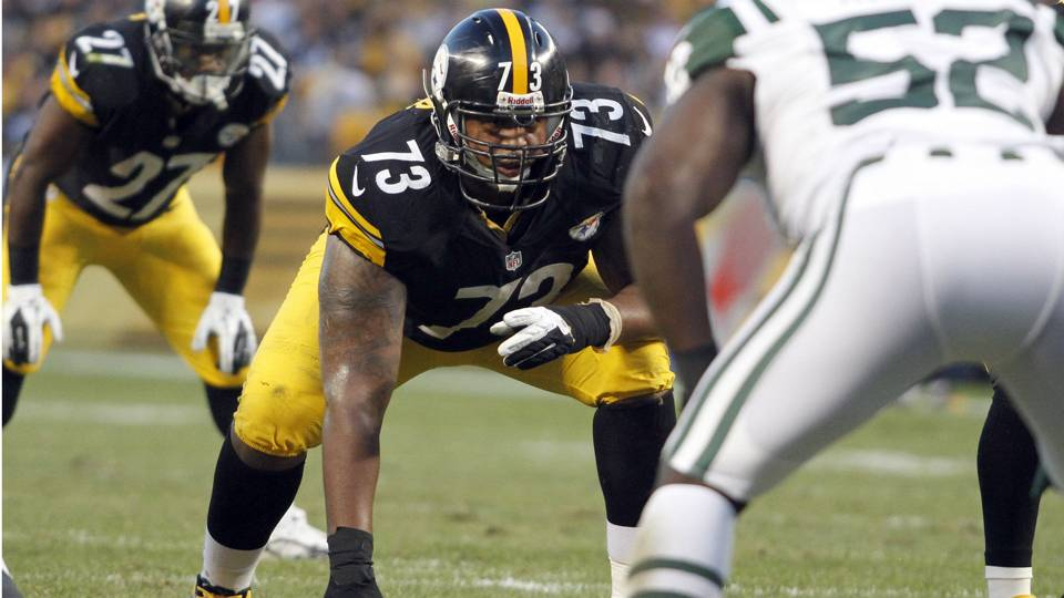 Steelers guard Ramon Foster carted off practice field with apparent leg injury