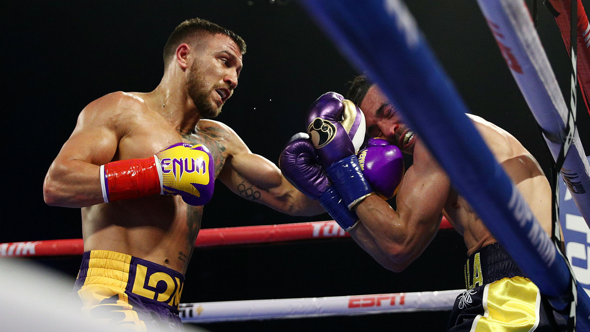 Lomachenko vs. Campbell: Footwork, accuracy and power — Anthony Crolla's night in the Hi-Tech Matrix