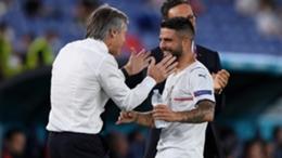 Roberto Mancini congratulates Italy goalscorer Lorenzo Insigne