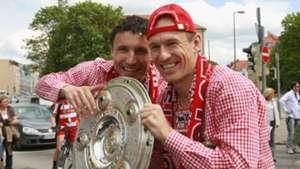 Mark van Bommel and Arjen Robben - cropped