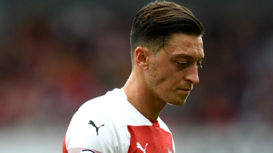Arsenal News Unai Emery Says Mesut Ozil Must Live With Germany