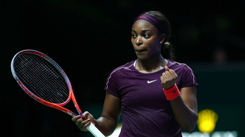WTA Finals: Sloane Stephens fights back to beat Karolina Pliskova in see-saw Singapore semi