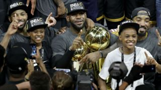 LeBron James with sons LeBron Jr. and Bryce